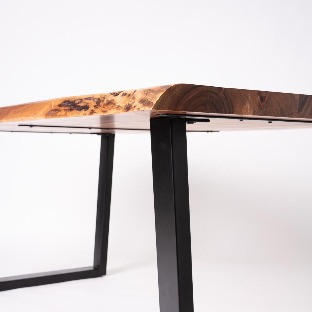 Masa lemn masiv picioare metalice